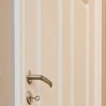 malt trepanel og profilerte dører